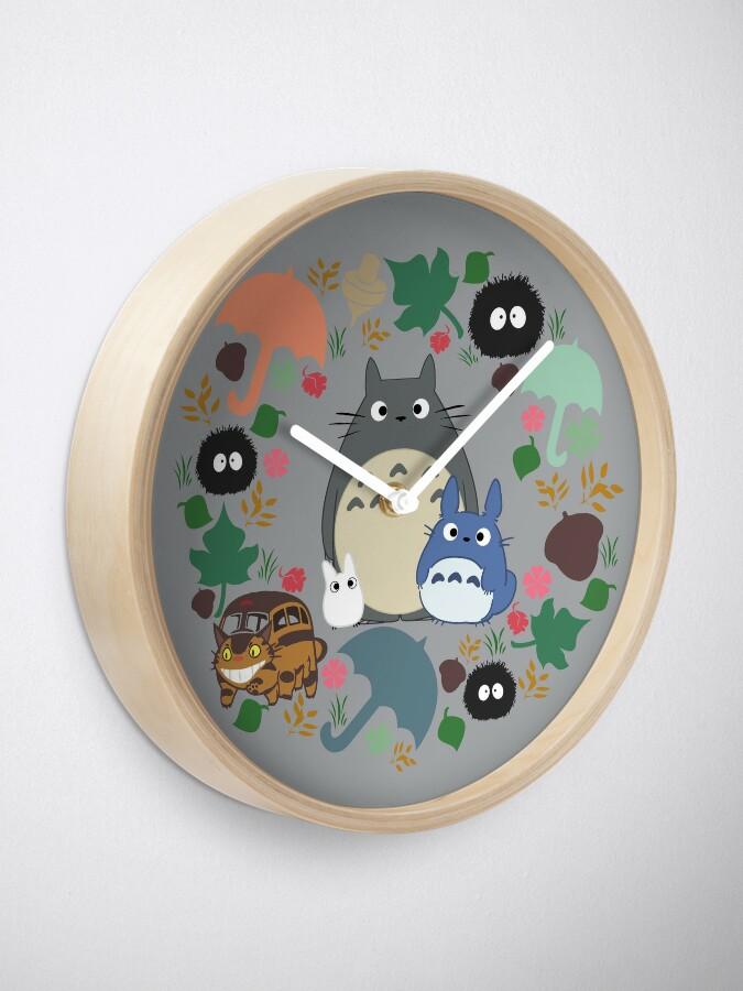 Alternative Ansicht von Mein Nachbar Totoro Kranz - Anime, Catbus, Ruß Sprite, Blau Totoro, Weiß Totoro, Senf, Ocker, Regenschirm, Manga, Hayao Miyazaki, Studio Ghibl Uhr