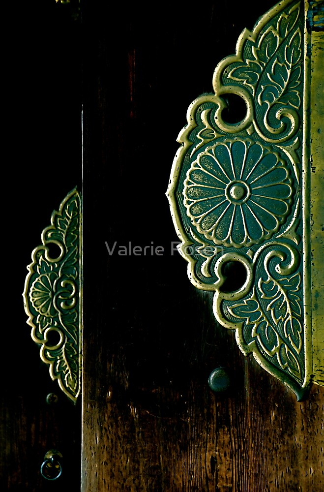 Meiji-Jingu by Valerie Rosen