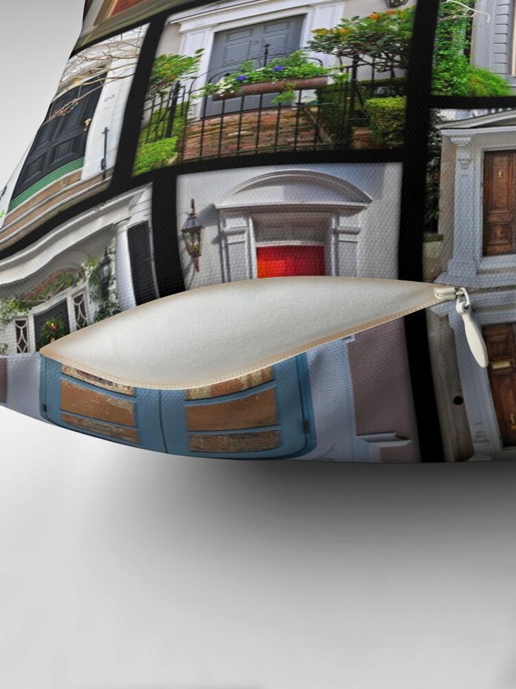 Alternative Ansicht von Türen von Charleston Dekokissen