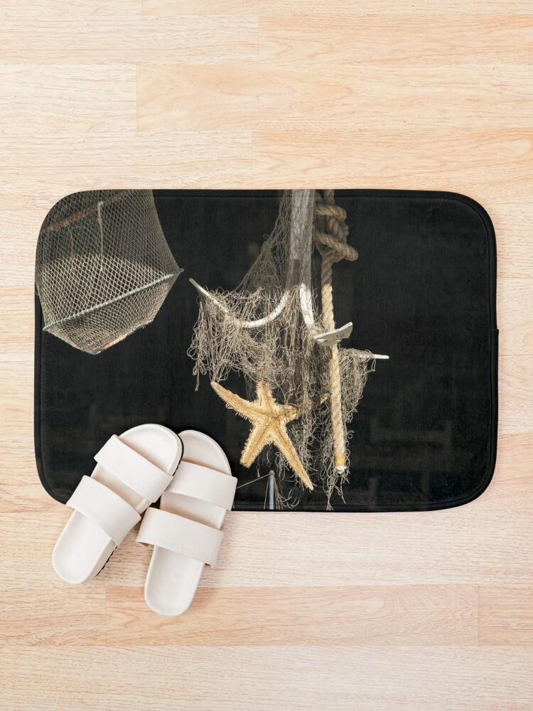 Alternative Ansicht von Sonnenbeschiene Seeanzeige in einem Meeresfrüchte-Restaurant-Fenster Badematte