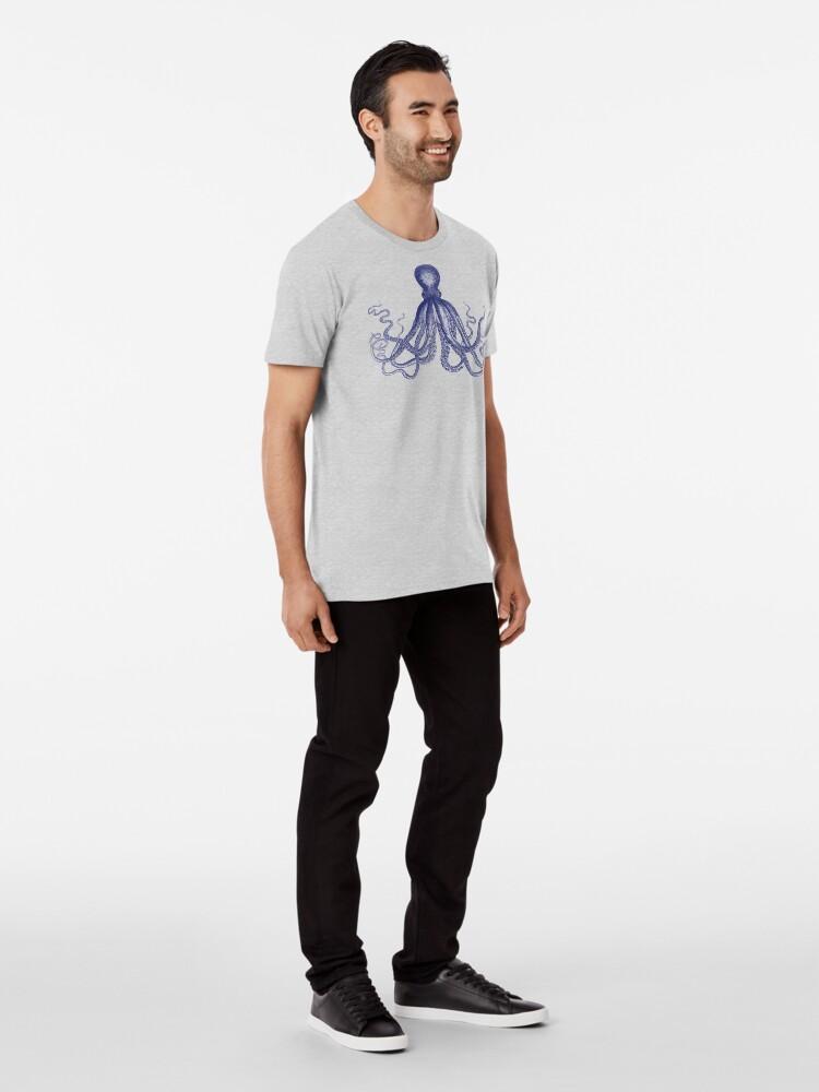 Alternative Ansicht von Krake | Weinlese-Krake | Tentakeln | Meeresbewohner | Nautik | Ozean | Meer | Strand | Marineblau und Weiß | Premium T-Shirt
