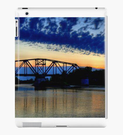 Sunset over the Taylor Bridge iPad Case/Skin