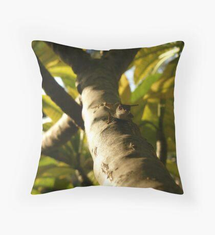 Tree lizard Throw Pillow