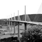 Viaduc de Millau by bubblehex08