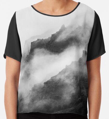 Montañas de niebla gris Blusa