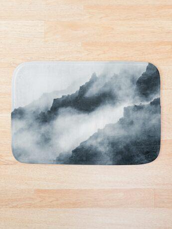 Montañas de niebla Alfombra de baño