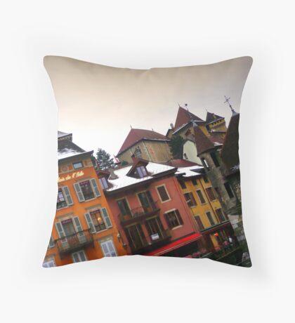 Annecy en biais Throw Pillow