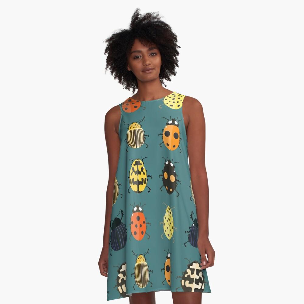 Nette Wanzen. A-Linien Kleid