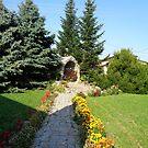 « Dans le jardin de l'église ..... » par Ana Belaj
