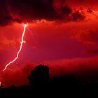 Blitz im roten Himmel von franceslewis