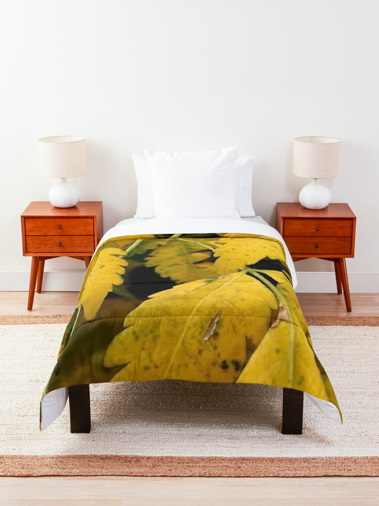 Alternate view of Wisteria Leaves in the Fall Comforter