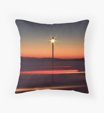 give my love to a shooting star Throw Pillow
