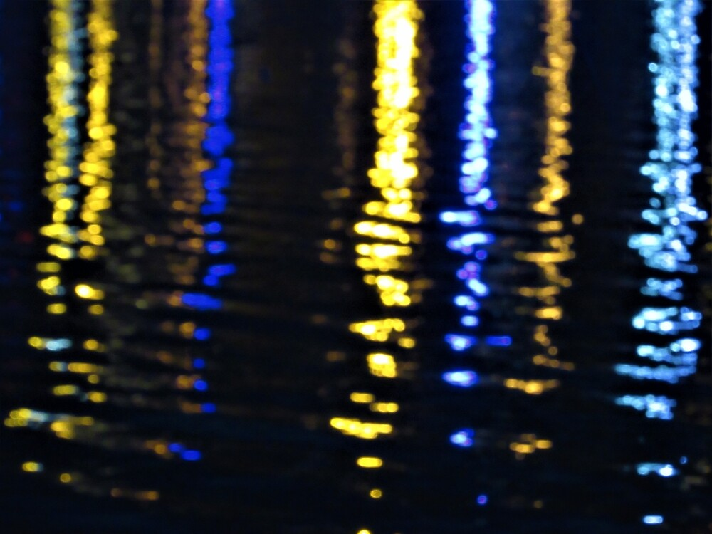 Blurry Lights on Sea by tomeoftrovius