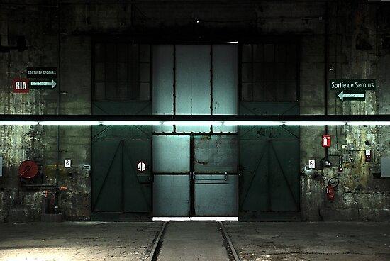 Urbex closed door by nincdg