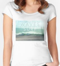 Surf Waves of Hawaii Women's Fitted Scoop T-Shirt