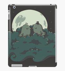 Moonlight Kiss iPad Case/Skin