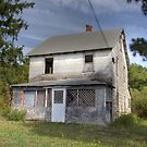 Mostly abandoned house by DariaGrippo