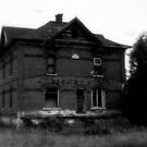 Old House by ZombieEnnui