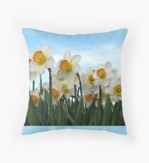 I feel pretty, oh so pretty... Throw Pillow