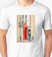 Royal guard at Amalienborg Royal Palace in Copenhagen, Denmark. T-Shirt