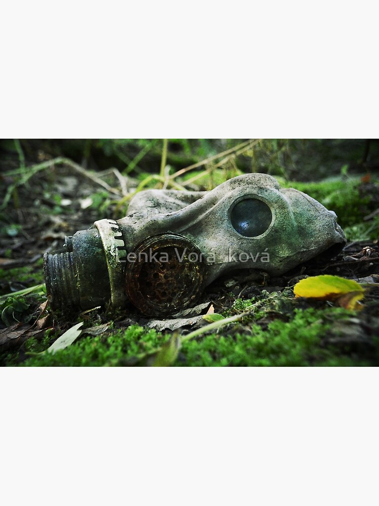Abandoned gas mask by Trin4ever