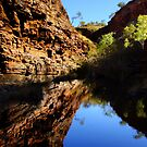 Hamersley Gorge, Karijini by JuliaKHarwood