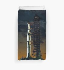 APOLLO 4, Saturn V rocket, used for the American manned lunar landing missions Duvet Cover