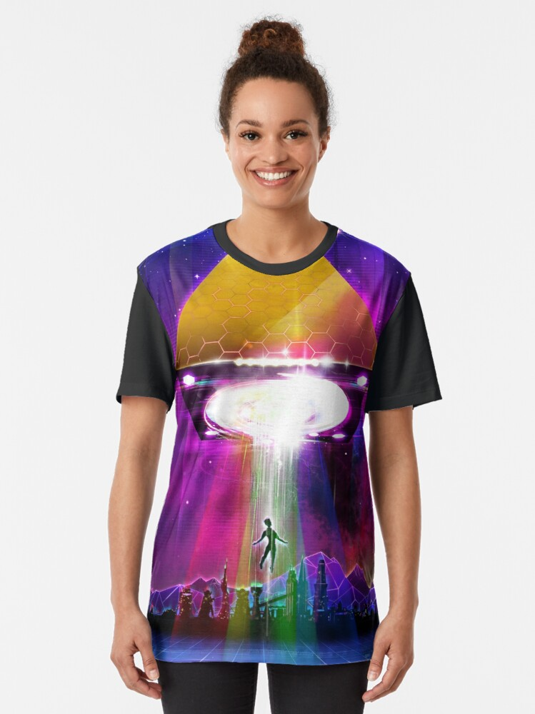 Alternate view of Abduction (Tetra) - Retro Synthwave UFO Pyramid Graphic T-Shirt