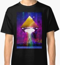 Abduction (Tetra) - Retro Synthwave UFO Pyramid Classic T-Shirt