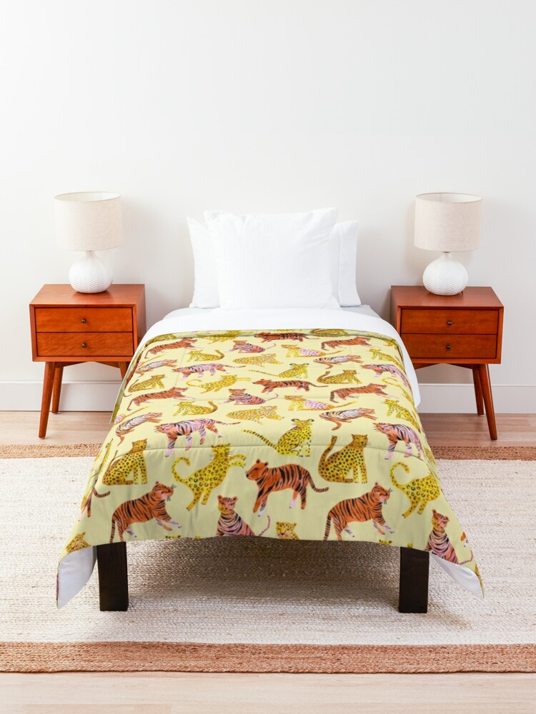Alternate view of Tigers and Leopards Africa Savannah Comforter