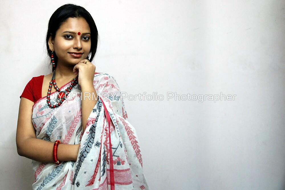 Bengali Beauty In Sari