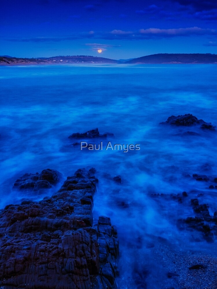 Moonrise over Carlton Beach. by Paul Amyes