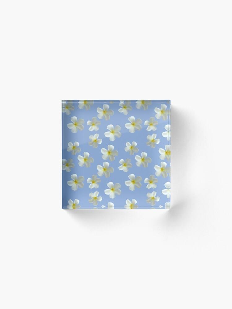 Alternative Ansicht von Frangipani - Weiß und Gelb Acrylblock