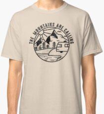 Camiseta clásica THE MOUNTAINS ARE CALLING