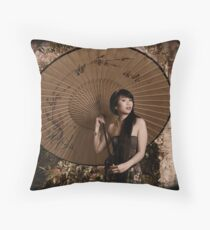 Oriental charmer Throw Pillow