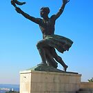 Budapest_Liberation.monument.Side.figure1_2010Oct  by ambrusz