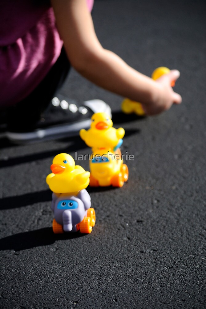 Rubber ducky, you're the one... by laruecherie