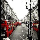London - by Joan Peno McCool by Jonicool