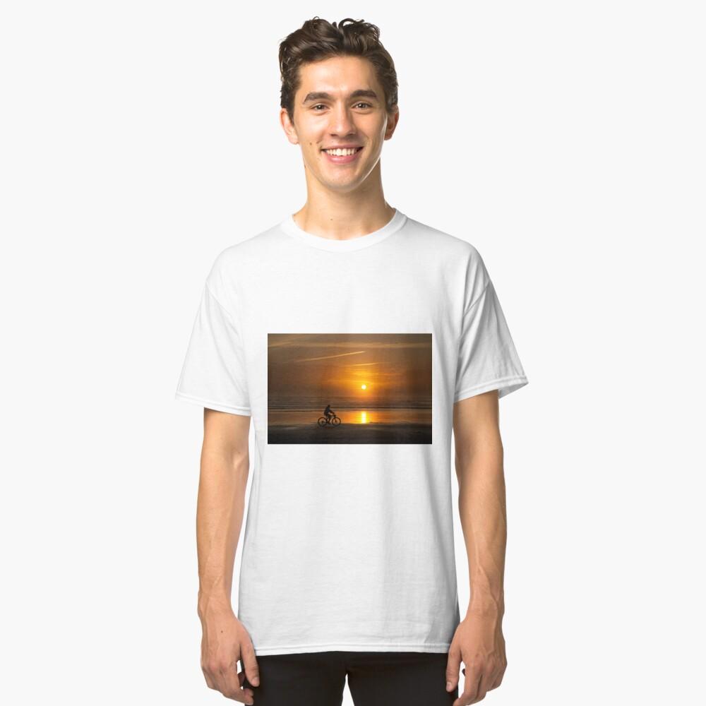 Silhouette of a cyclist along Cannon Beach Oregon Classic T-Shirt