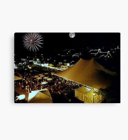 Fest under bridge Canvas Print