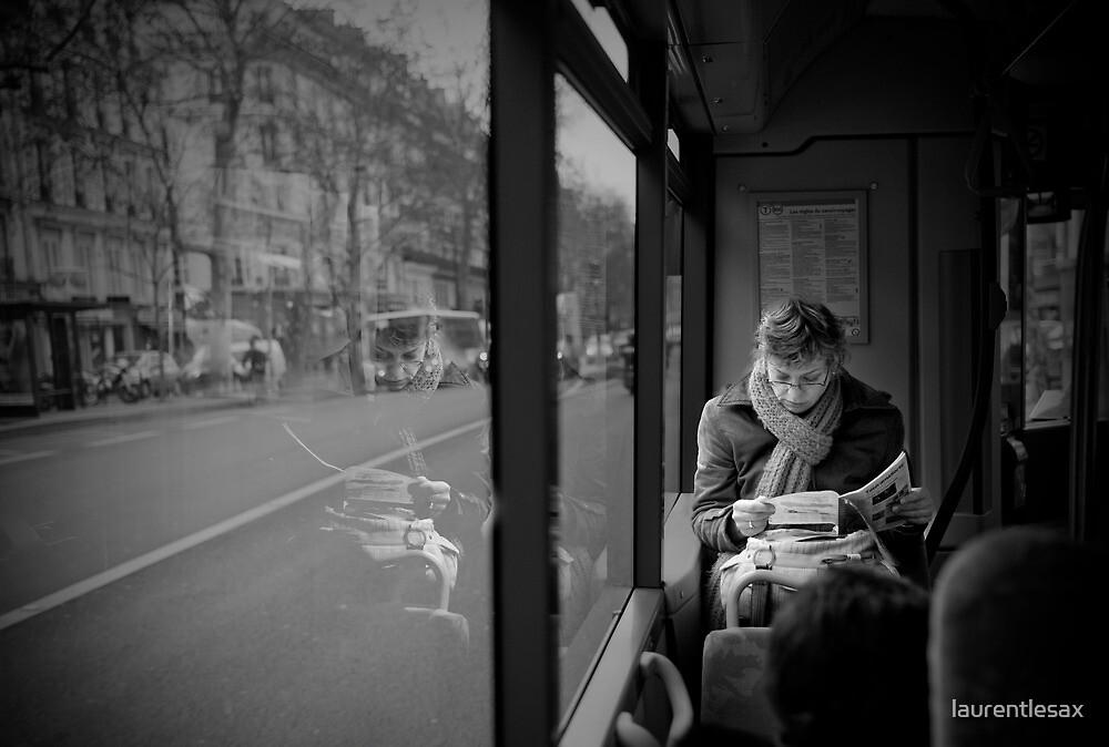 Reading in the bus by laurentlesax
