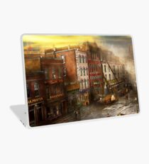 Fireman - Washington DC - Fire at Bedell's Bedding 1915 Laptop Skin
