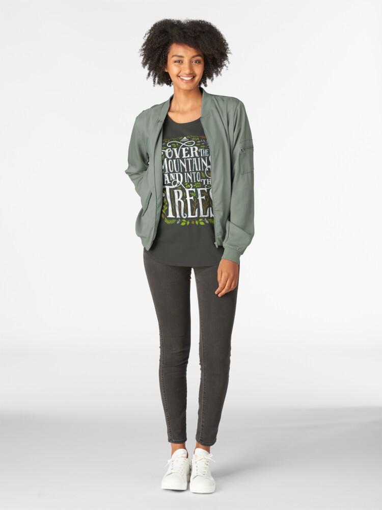 Alternative Ansicht von Über die Berge und in die Bäume Premium Rundhals-Shirt