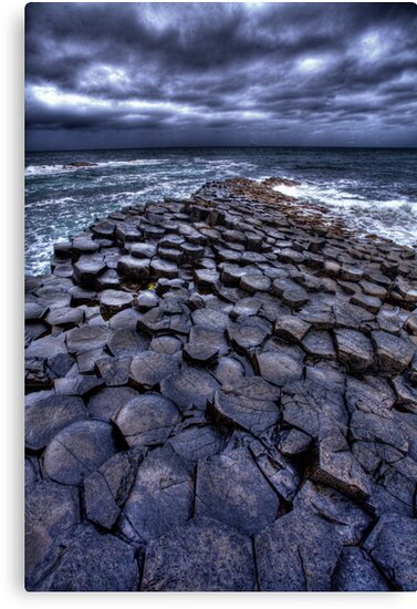 The Giants Causeway by Sam  Parsons