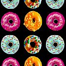 Donuts auf schwarz von Yamy Morrell  Art and Design