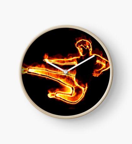 Brennender Mann in einem Sprung Uhr