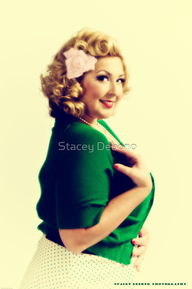 Vintage Pin Up Sumer by Stacey Debono