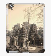 Ta Phrom Temple, Siem Reap iPad Case/Skin