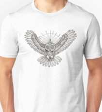 Mason Owl with skull, rule, compass and the eye that sees everything (tattoo style) T-Shirt