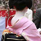 Maiko Mameyuri waiting by Jenny Hall